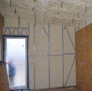 Crossin® Spray Insulation izoluje szkieletowe konstrukcje stalowe